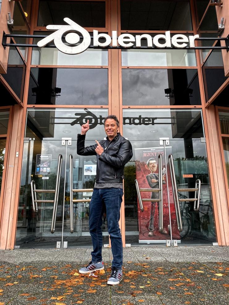 Matthew in front of Blender HQ